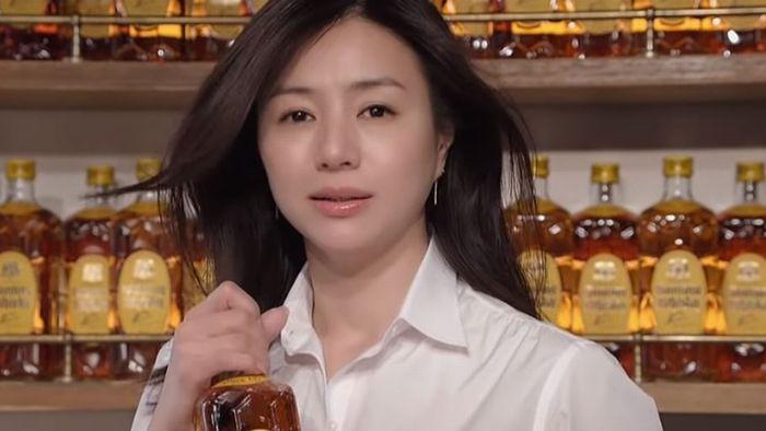 井川遥は美しすぎる - そして素晴らしいママ  - 半沢直樹で小料理店の女将役を演ずる